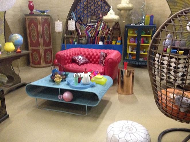 Jamillah & Aladdin - Genie's Lamp Interior